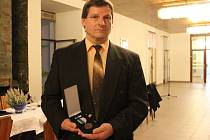 Miloslav Stach je odborníkem na daktyloskopii a identifikaci motorových vozidel. Na OKTE je od roku 1989.