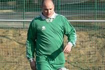 Dobrovodský Tomáš Koptyš se na podzim proměnil v hráče, který více góly připravuje spoluhráčům, než je sám střílí, pořád ale patří ke klíčovým postavám lídra I. A třídy.