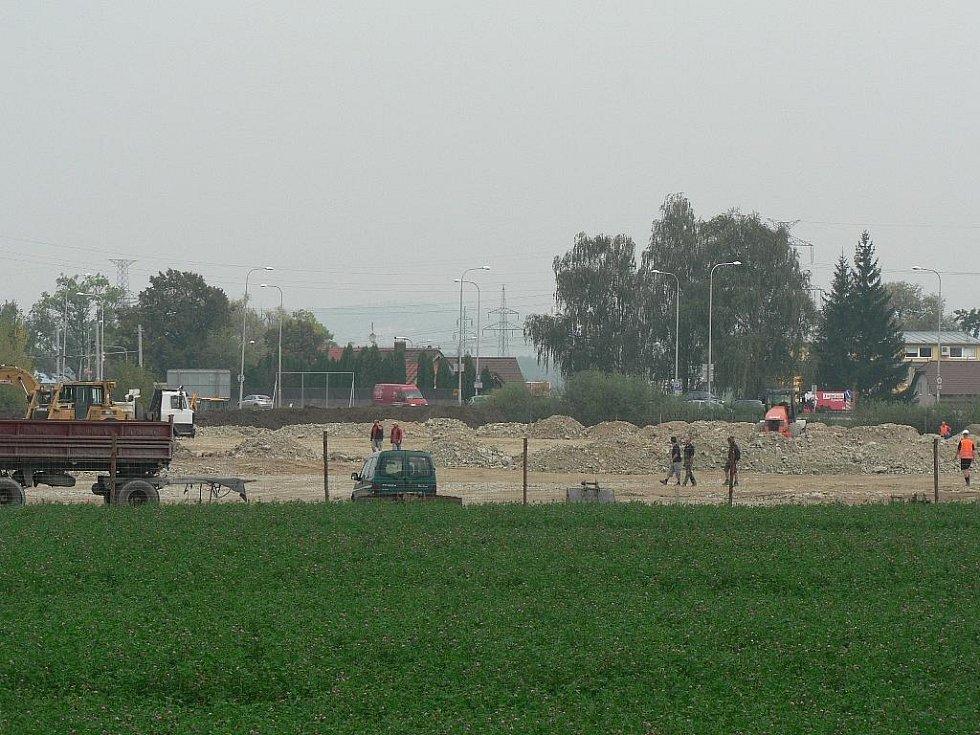 U Českého Vrbného na okraji Českých Budějovic vzniká nové Hobby centrum.