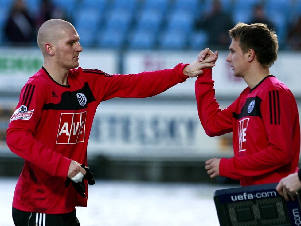 V zápase s Bohemians Zdeněk Ondrášek pomyslnou štafetu předal Františku Němcovi a vydal se do Norska.