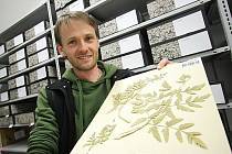 Největší sbírkou Jihočeského muzea je herbář, o který se stará botanik Martin Lepší. Některé položky pocházejí už z 19. století, ale sbírka se stále rozrůstá.
