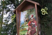 Myslivci z Boršova vysvětili obrázek svatého Huberta, patrona myslivců. Foto: Jan Zeman