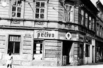 Na rohu Novohradské a Žižkovy roku 1969.