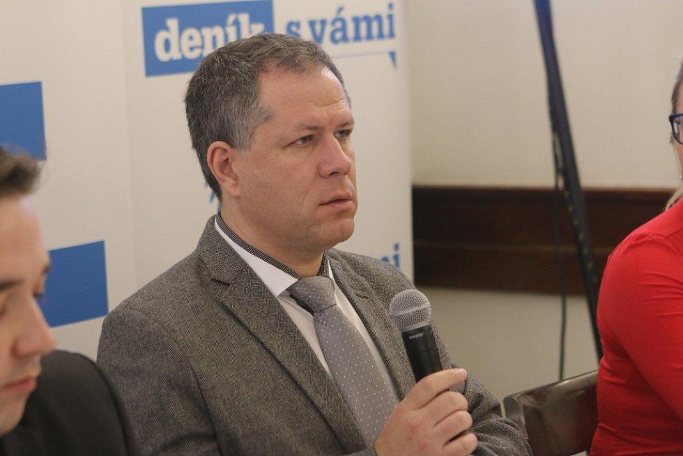 Setkání s hejtmanem Jihočeského kraje. Na snímku rektor Jihočeské univerzity Tomáš Machula.