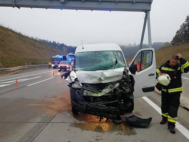 Český řidič dodávky vyvázl.