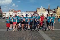 Jedna ze zastávek týmu cyklo-běžců byla i v Českých Budějovicích ve čtvrtek 22. 6.