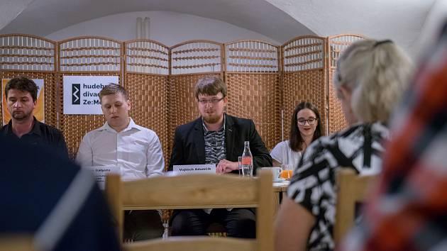 Tým divadla: Vojtěch Adamčík (vpravo) zakládá muzikálovou scénu.