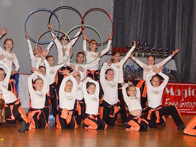 Choreografie s názvem Olympiáda.