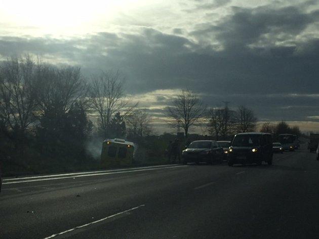 Páteční dopraví nehoda, k níž došlo na trase České Budějovice - Veselí nad Lužnicí. Uzavřený tu musel být jeden jízdní pruh.
