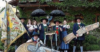 Kanonýři se scházejí v Kirchhamu.
