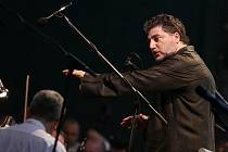 Na Mezinárodní hudební festival v Českém Krumlově se letos vrátí José Cura (na snímku z loňska). Letos ztvární hlavní roli Cania v opeře Komedianti před otáčivým hledištěm.