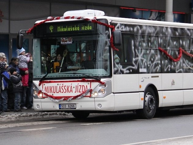 Mikulášský autobus v Českých Budějovicích.