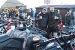 Motorkáři na českobudějovickém náměstí se pravidelně okolo poledne setkávají na českobudějovickém náměstí Přemysla Otakara II