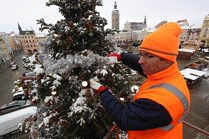 Zdobení vánočního stromu v Českých Budějovicích