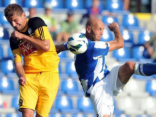 Filip Rýdel v Mladé Boleslavi bojuje s domácím Petrem Johanou.