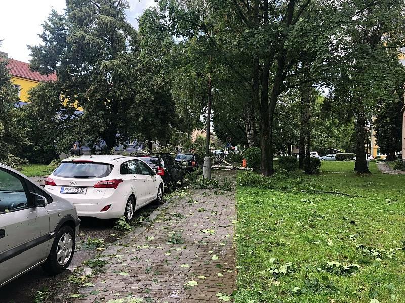 Bouřka nasekala pořádnou paseku v Českých Budějovicích na Pražském předměstí.