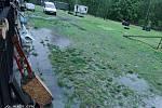 Silný déšť v sobotu odpoledne bičoval také kynologické cvičiště v Jindřichově Hradci.