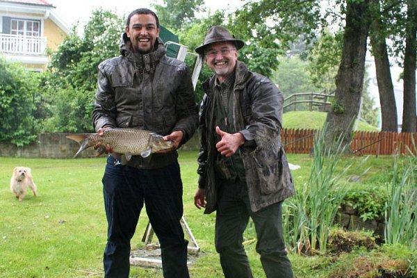 Azylanti zFreistadtu byli na rybách.