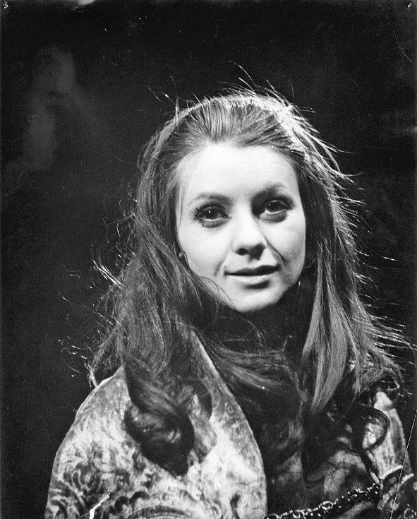 Herečka Bibiana Šimonová jako Kordelie, Král Lear, 1971.