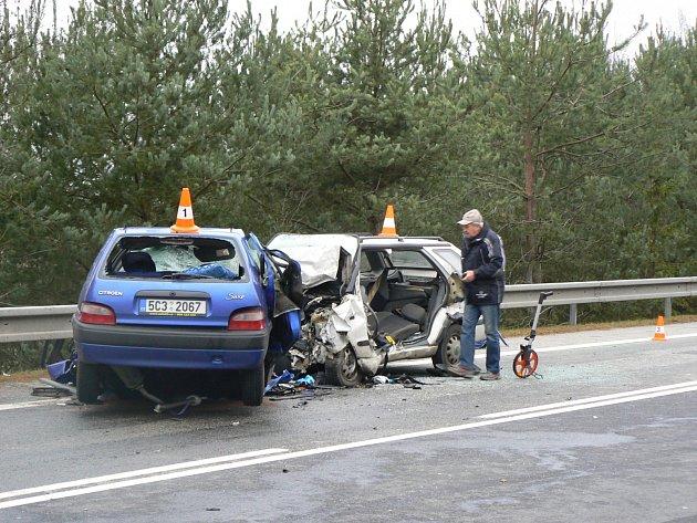 Nehoda na silnici ve směru z Borku na Veselí nad Lužnicí.