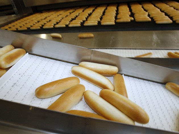 Pekast s. r. o., producent pekařských výrobků, změnil majitele oficiálně k 1. srpnu po několika měsících jednání. Dodával na trh měsíčně 800 tun chlebů, jemného pečiva a dalších výrobků, jeho specialitou byla výroba strouhanky a zaměstnával 250 lidí.