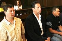 Krajský soud projednává případ kuplířů. Hlavní obvinění si na ortel ještě počkají.