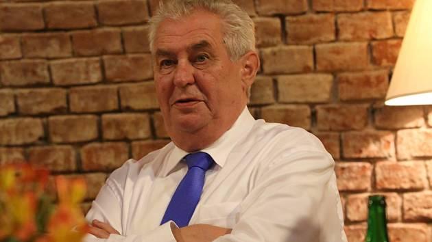 """""""Jestli jsem dobrým prezidentem? Na to musejí odpovědět jiní,"""" řekl Miloš Zeman v exkluzivním rozhovoru, který poskytl našemu Deníku."""