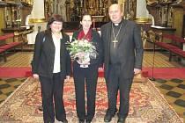 Ludmila Marešová (uprostřed) získala Cenu Charity.