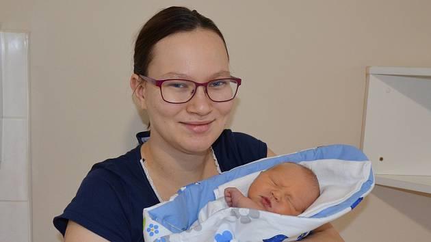 Tobiáš Hrdlička z Týna nad Vltavou. Prvorozený syn Marie a Jana Hrdličkových se narodil 16. 12. 2020 v 10.16 hodin. Při narození vážil 3450 g a měřil 49 cm.