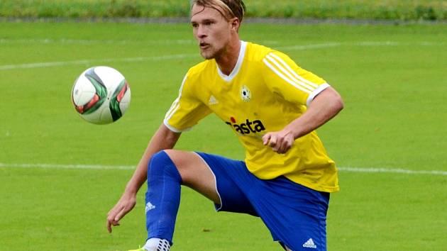 Celých devadesát minut v dresu FC Písek  v nedělní přípravě s juniorkou Sparty odehrál Novozélanďan Jesse Edge – a na postu stopera si rozhodně nevedl špatně.