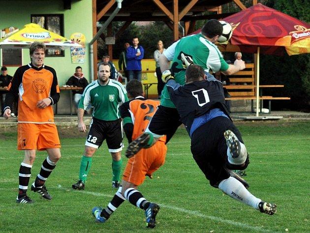 Fotbalisté Srubce porazili v podzimní derniéře na svém hřišti Štěpánovice 2:0 a budou přezimovat na 2. místě.