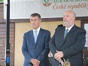 Na Zemi živitelce byly slavnostně zahájeny Národní dožínky. Na snímku předseda vlády Andrej Babiš a ministr zemědělství Miroslav Toman.