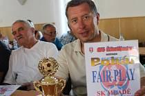 Šéf fotbalistů SK Mladé Petr Lískovec. Hráči se rozhodli, že ze třetího místa nepostoupí a zůstanou v okresním přeboru, kde patří mezi nejlepší.