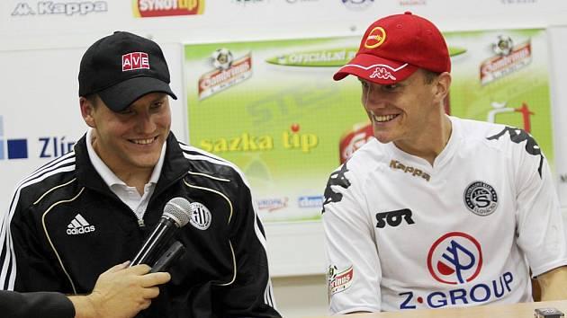 Pavel a Radek Mezlíkovi (zleva) po podzimním zápase Dynama na hřišti Slovácka.