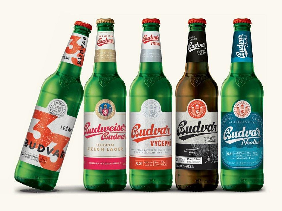 Piva z produkce Budvaru s novými etiketami.