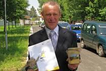 Antonín Zvánovec se může pyšnit medem, který letos získal prestižní ocenění Chutná hezky jihočesky 2008.