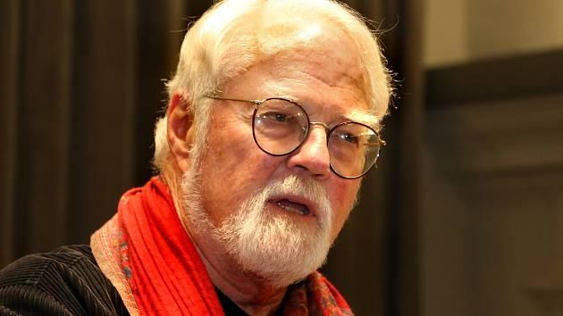 Americký spisovatel Robert Fulghum nalezl v České republice druhý domov. Foto:Deník/Archiv
