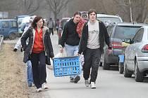 Chovatelé slepic každý rok vyrážejí kvůli nákupu nosnic například do Dynína.