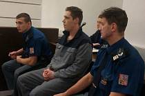 Jiří Manych (33) odcházel od Okresního soudu Plzeň-město s 5,5letým trestem za mřížemi.