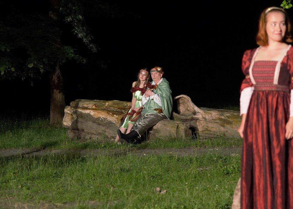 DS Vltavan na otáčko připravil Sen svatojánské noci