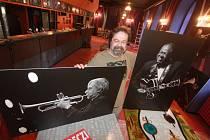 V noci na středu 25. února zemřel Karel Machart, šéf českobudějovického klubu Highway 61. Bylo mu 56 let.