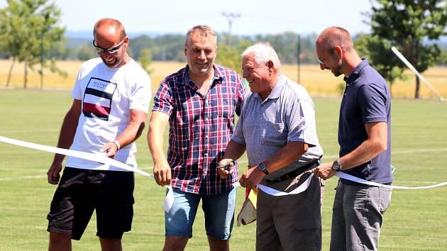 V Neplachově slavnostně otevřeli nový sportovní areál.