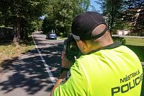 Strážníci měří rychlost na 33 místech a úsecích v Českých Budějovicích.
