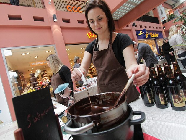 Českobudějovické IGY Centrum se o víkendu změnilo v ráj mlsounů. Konal se tu Čokoládový festival.