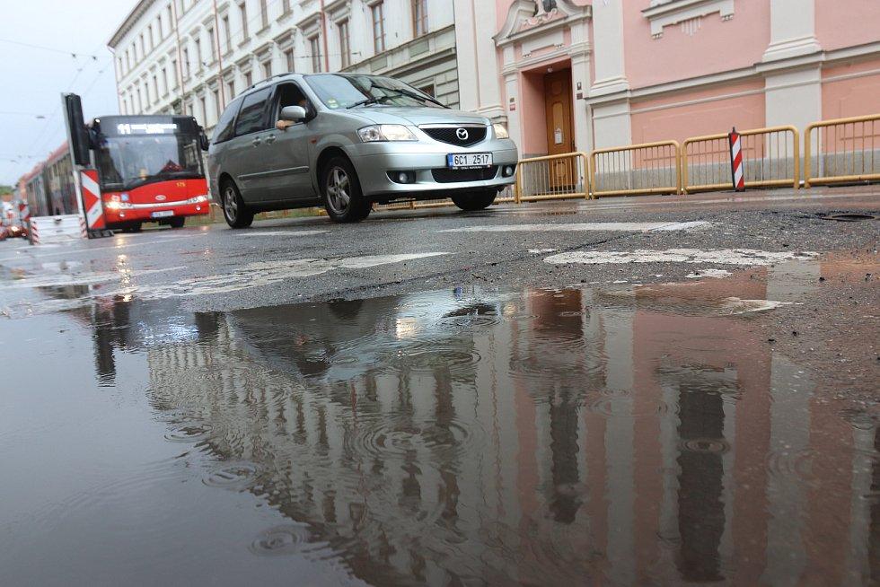 Deštivý a bouřlivý pátek v Českých Budějovicích