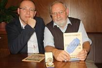 Vladimír Sklář a jeho syn David se živí jako hodináři. Řemeslo má přitom v jejich rodině už více než sto let starou tradici.