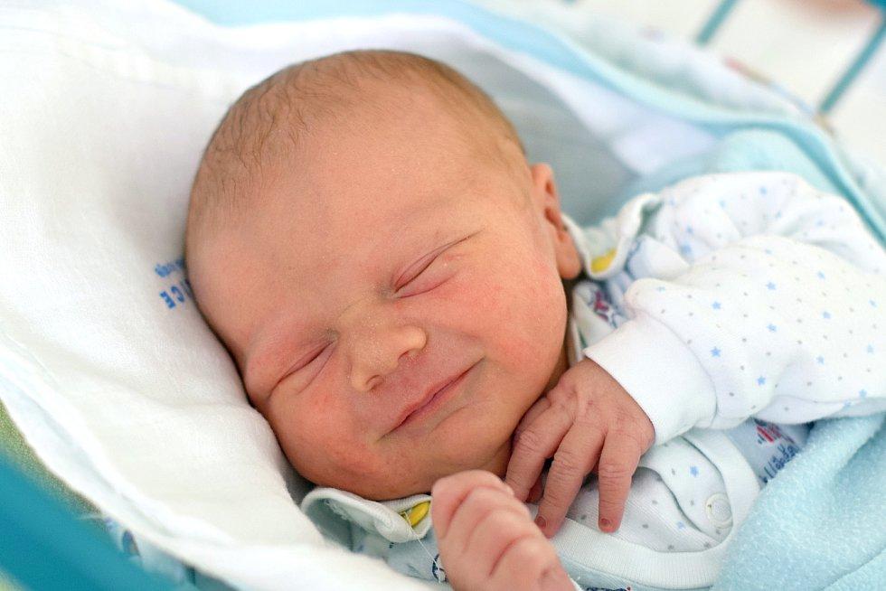 Ve Vitíně bude poznávat svět novorozený Felix Trpák. Maminka Lucie Ševčíková jej porodila 24. 2. 2020 v 10.18 h., vážil 3,65 kg. Parťákem mu bude 7letý brácha Dominik. foto: Ilona Lonsmínová