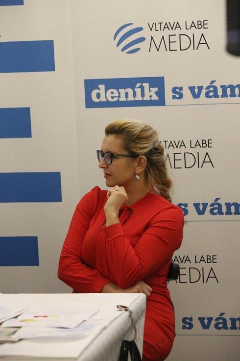 Setkání s hejtmanem Jihočeského kraje. Na snímku ředitelka českobudějovické oblastní kanceláře Jihočeské hospodářské komory Lenka Vohradníková.
