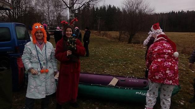 Sportovci vyrazili ze Suchdola do Majdaleny na sváteční sjezd Lužnice