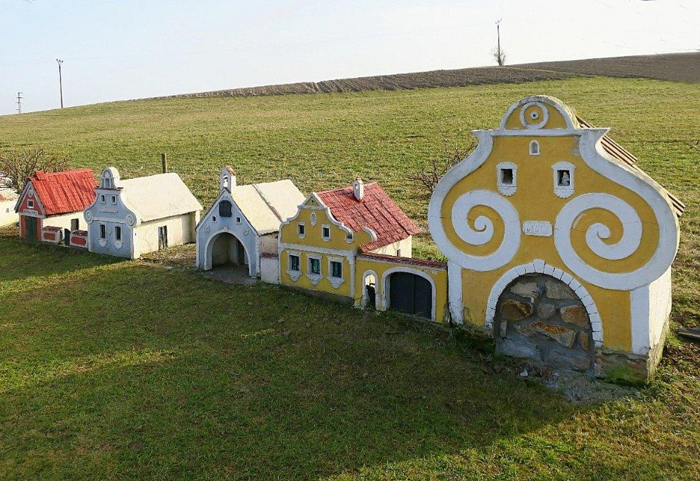 Marie Kadlecová z Českých Budějovic ještě minulý víkend stihla výlet. Podívala se do Plešovic na roztomilý miniaturní model vesnice.